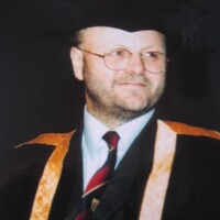 Dr Lynn Williams